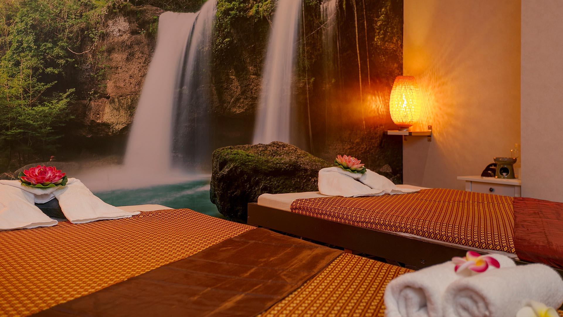 Alisha massage Eindhoven, Thai therapie massage, ontspanningsmassage, combinatiemassage, duo massage, nek massage, schoudermassage, rugmassage, sportmassage, scrubmassage, kruidenstempelmassage, kokosoliemassage